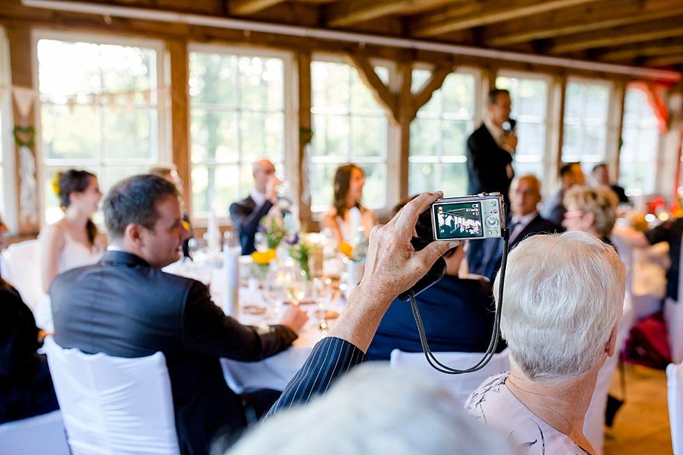 rustikale Hochzeitslocation, Hochzeitsrede, Heiraten im Haverbeckhof Bispingen - Jana Richter fotografie-56.jpg