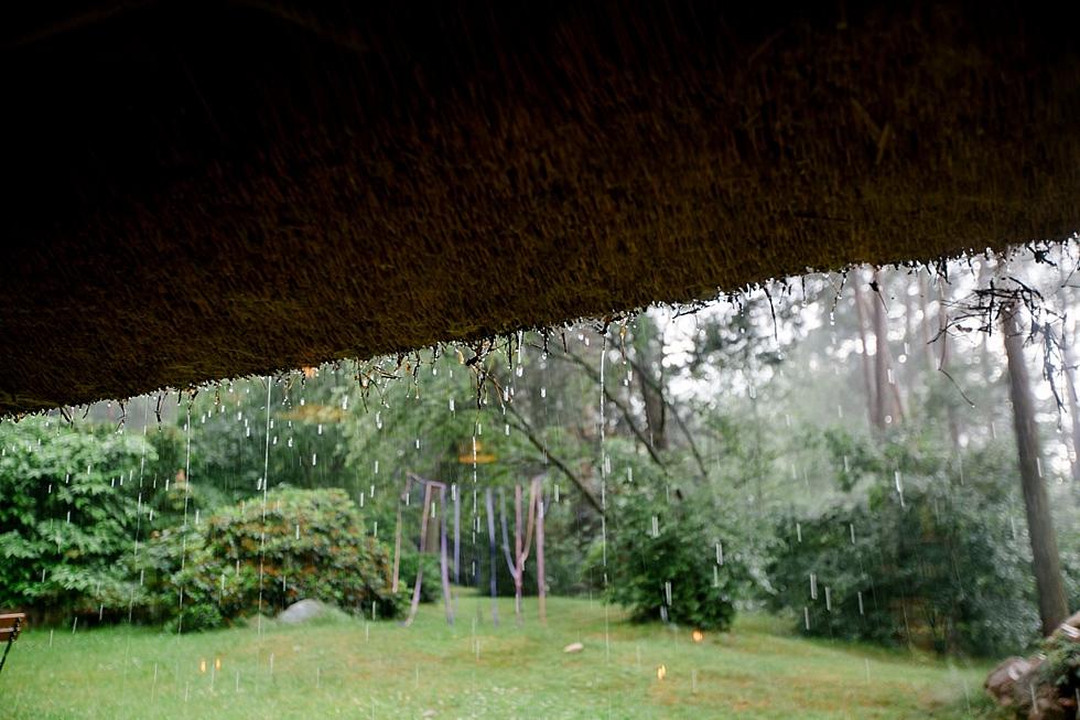 Reetdach bei Regen, Cafe Schafstall bei Regen