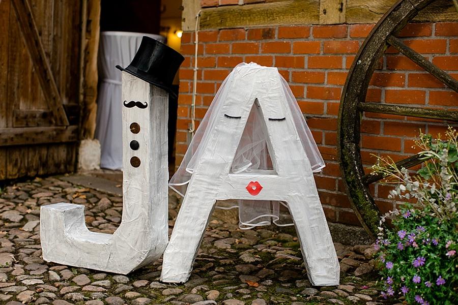 JA Buchstaben, Bräutigam und Braut als Buchstaben